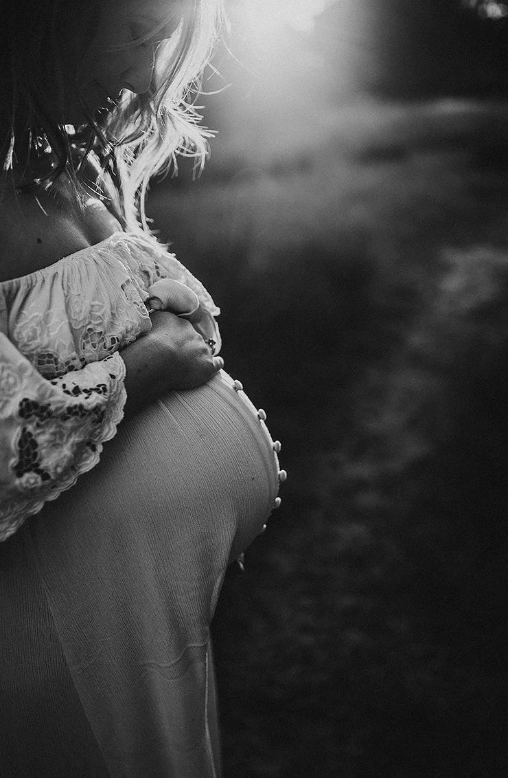 maternity-photographer-sydney-sutherland-shire-740x1132-1